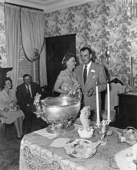 P2010-61-Ludden-Von-Kennel-wedding-reception-Historic-Governors-Mansion-1953-photo-by-Brammar-1