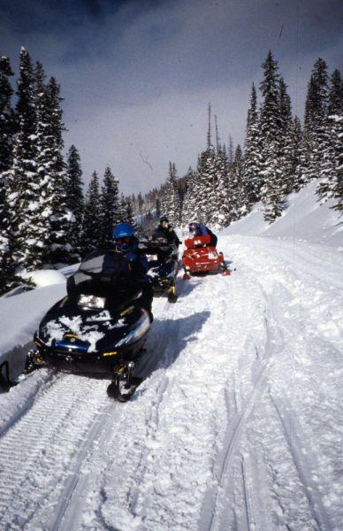 snowmobile-2-1